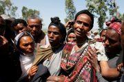 woman-mourns-funeral-tesfu-tadese-biru-construction-engineer-died-stampede-police-fired-warning-shots-anti-government-protest-bishoftu-irreecha-denkaka-kebele