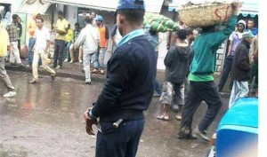"""Drama in Addis Ababa as police discovered two """"hand grenades"""" at busy market place."""